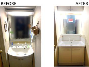 2階で使用している洗面台の交換。壁紙を交換しないので両サイドにキッチンパネルをつけて水じまいを良くしました。